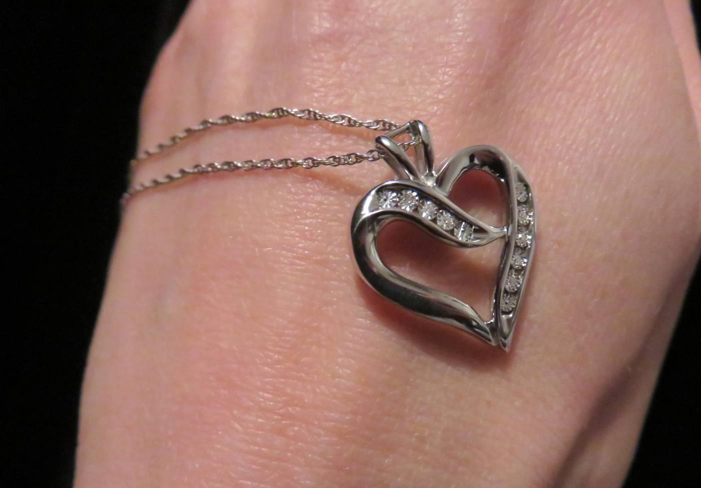 heart pendant diamond