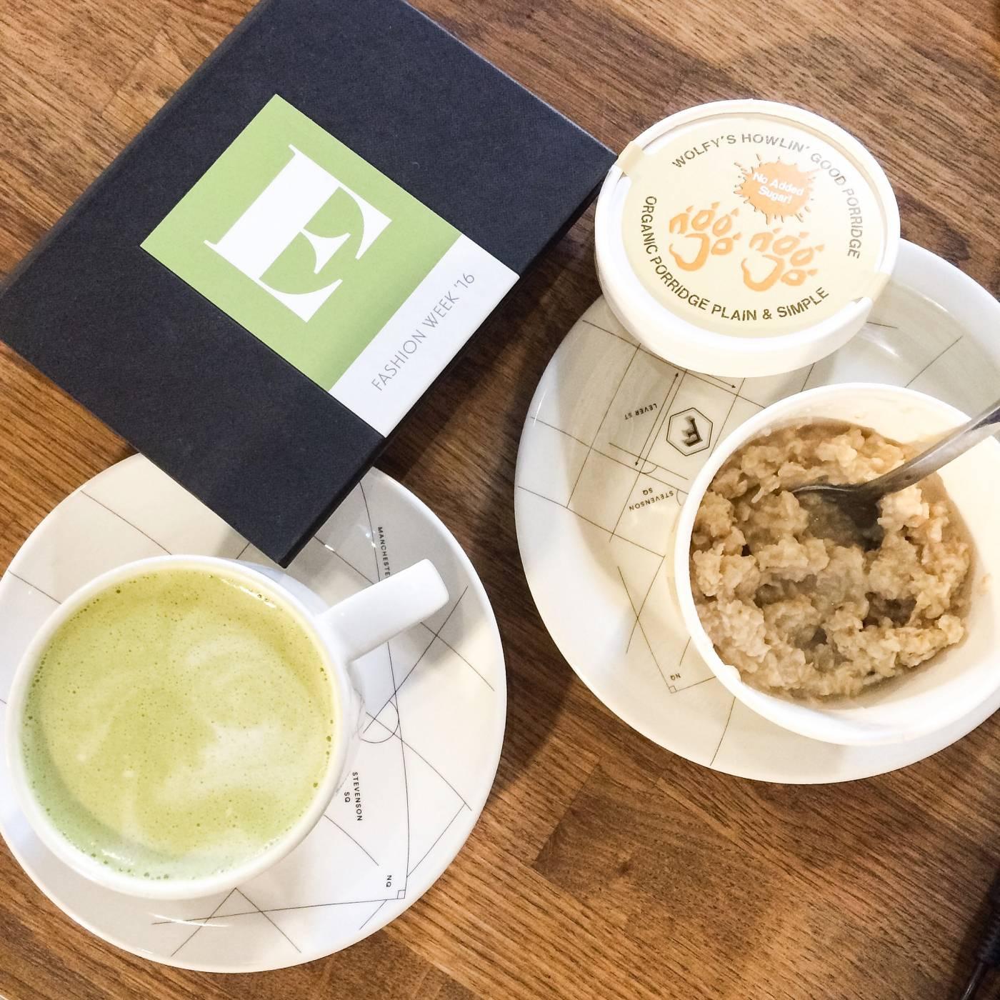 matcha latte and porridge
