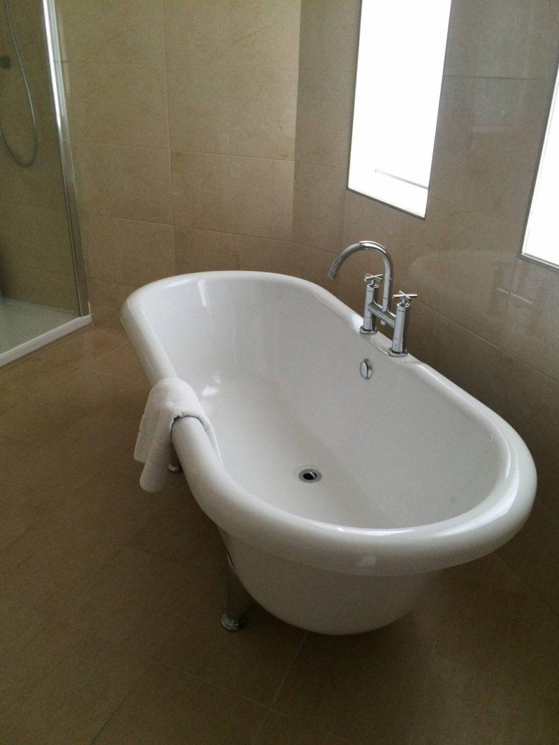 standalone bath